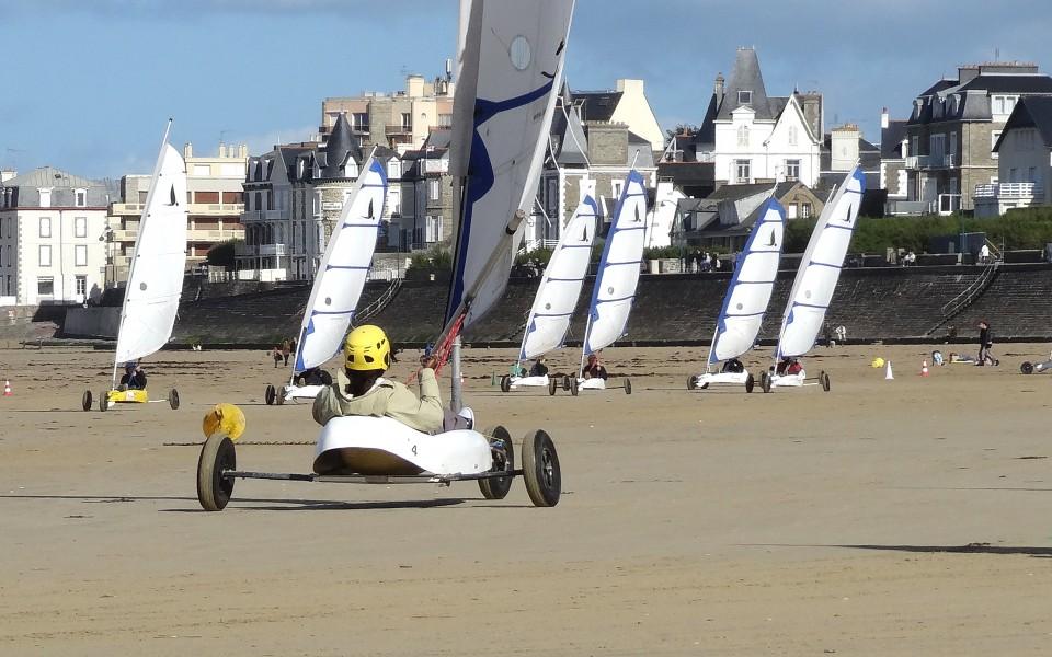 Activites Ados Adultes Char A Voile St Malo Surfschool Saint Malo